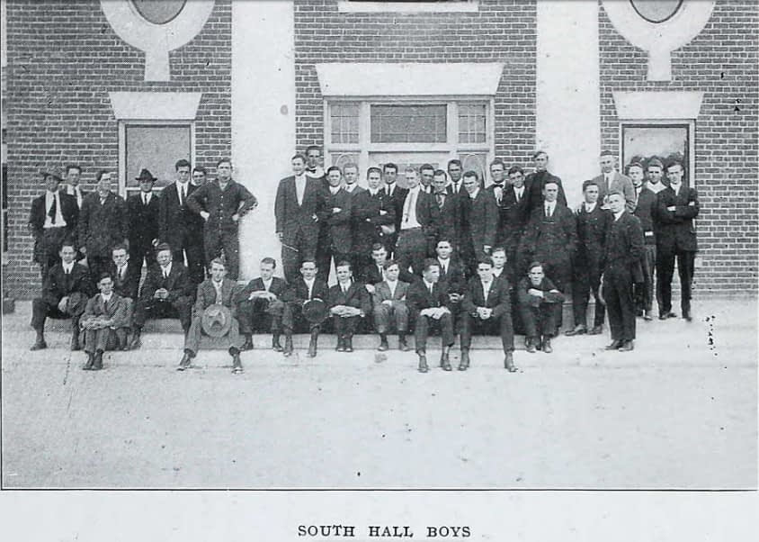 1914.SouthHall2
