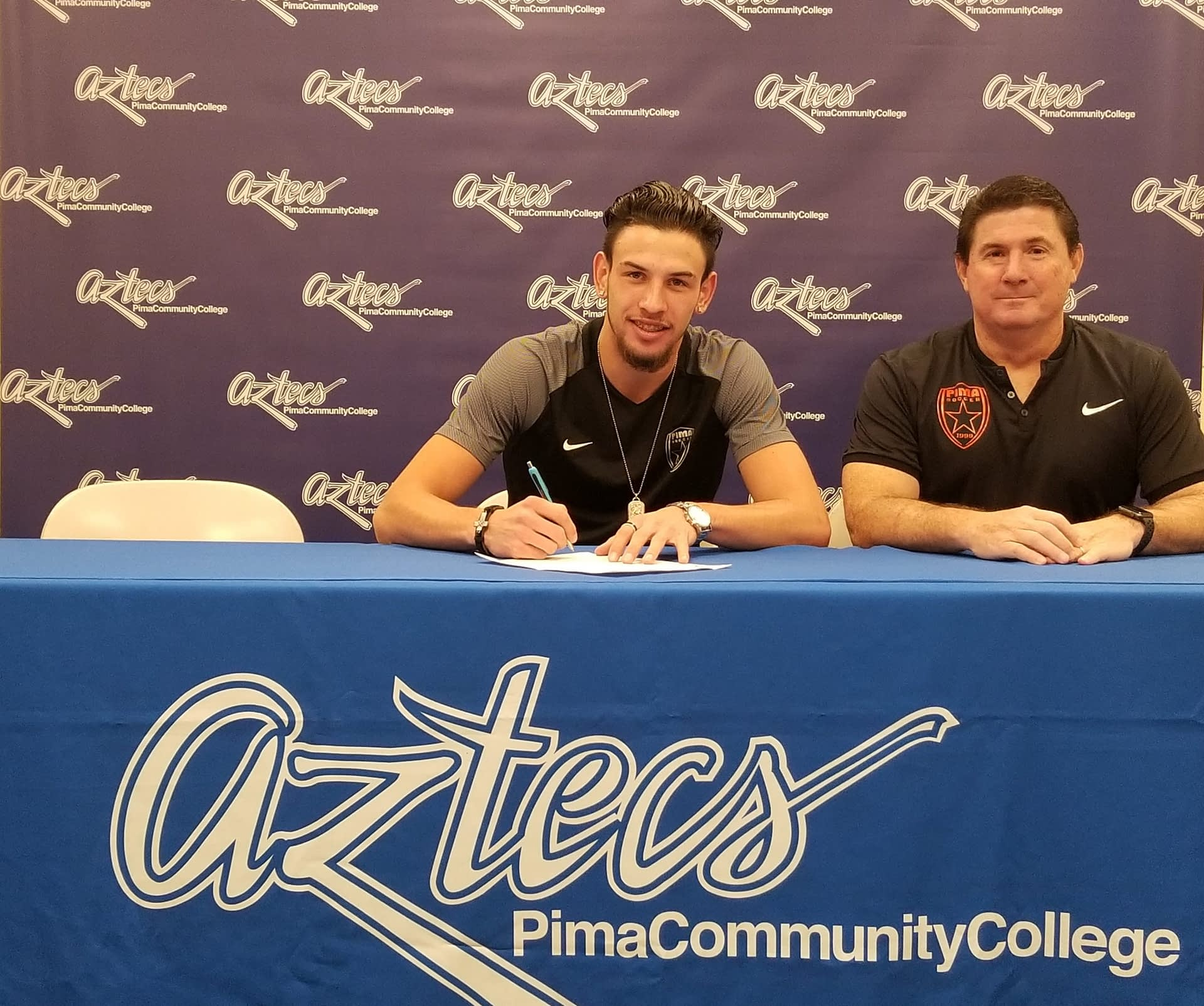 Signing-to-San-Diego-state-1