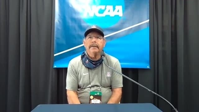 Mike-Candrea-NCAA-tourney-