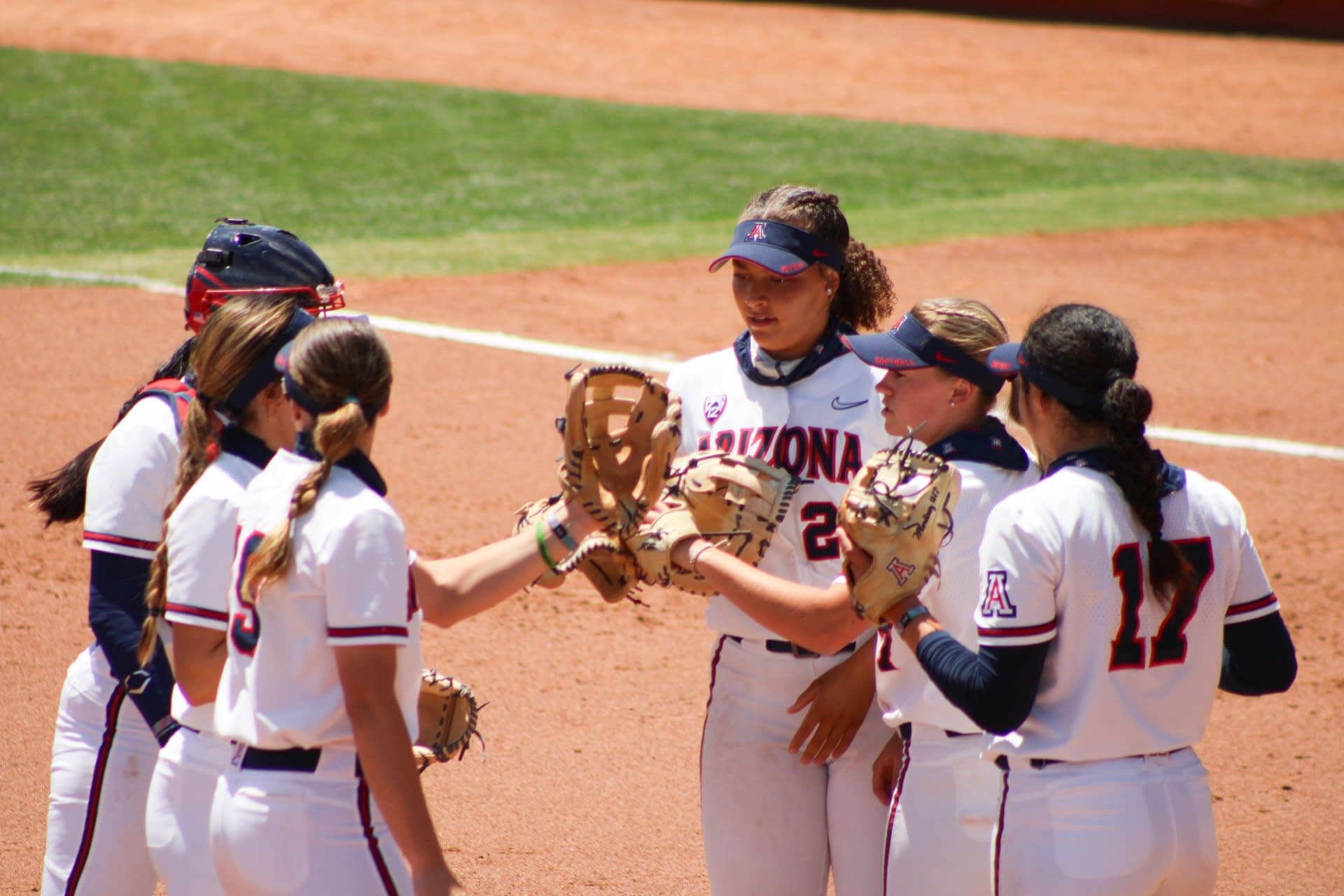 Arizona-softball-in-circle