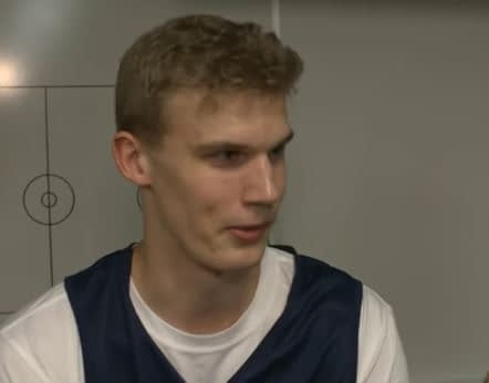 Lauri Markkanen locker room