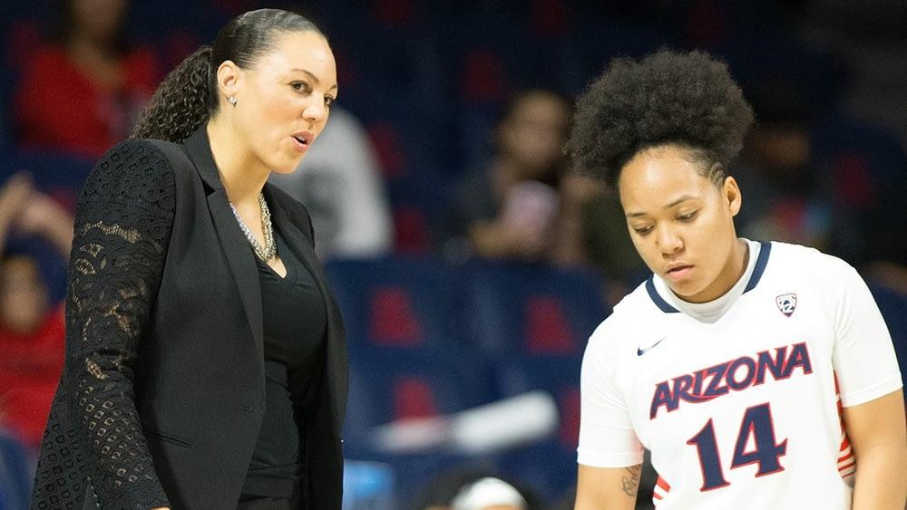 Arizona coach Adia Barnes provides instruction for guard Malena Washington (Arizona media relations photo)